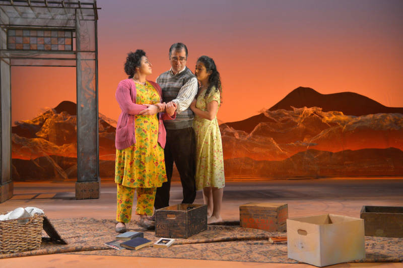 Nadine Malouf, Barzin Akhavan and Denmo Ibrahim in 'A Thousand Splendid Suns'