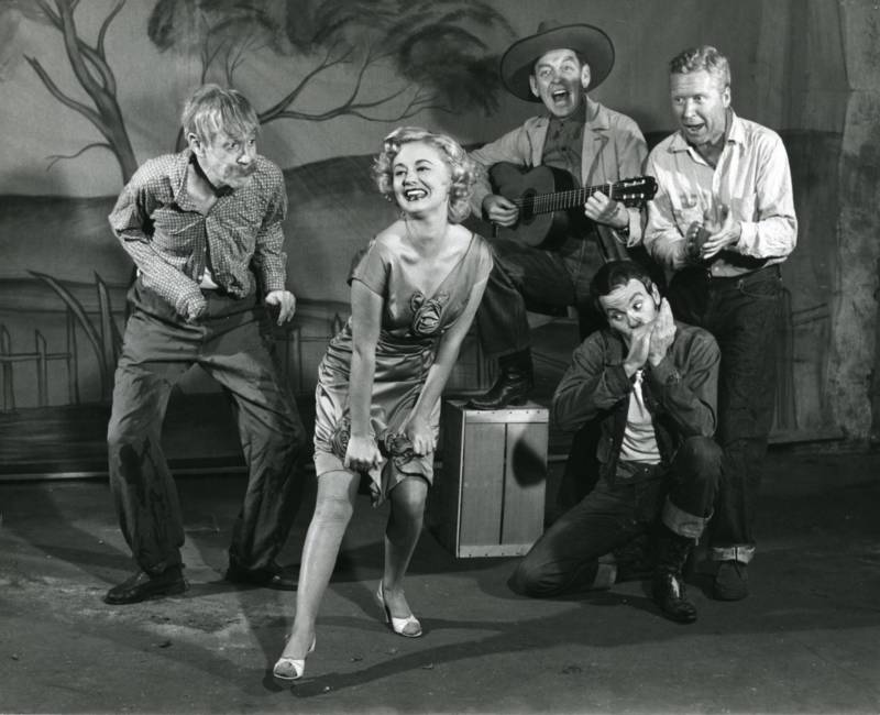 "The cast of the original 1958 off-Broadway production of ""Of Mice and Men"" included Art Lund, Jo Sullivan, and Leo Penn (father of actor Sean Penn). The few reviews it did receive were very good, but it wasn't enough to build up an audience when a newspaper strike hit New York City soon after the musical opened. The show closed after just six weeks."