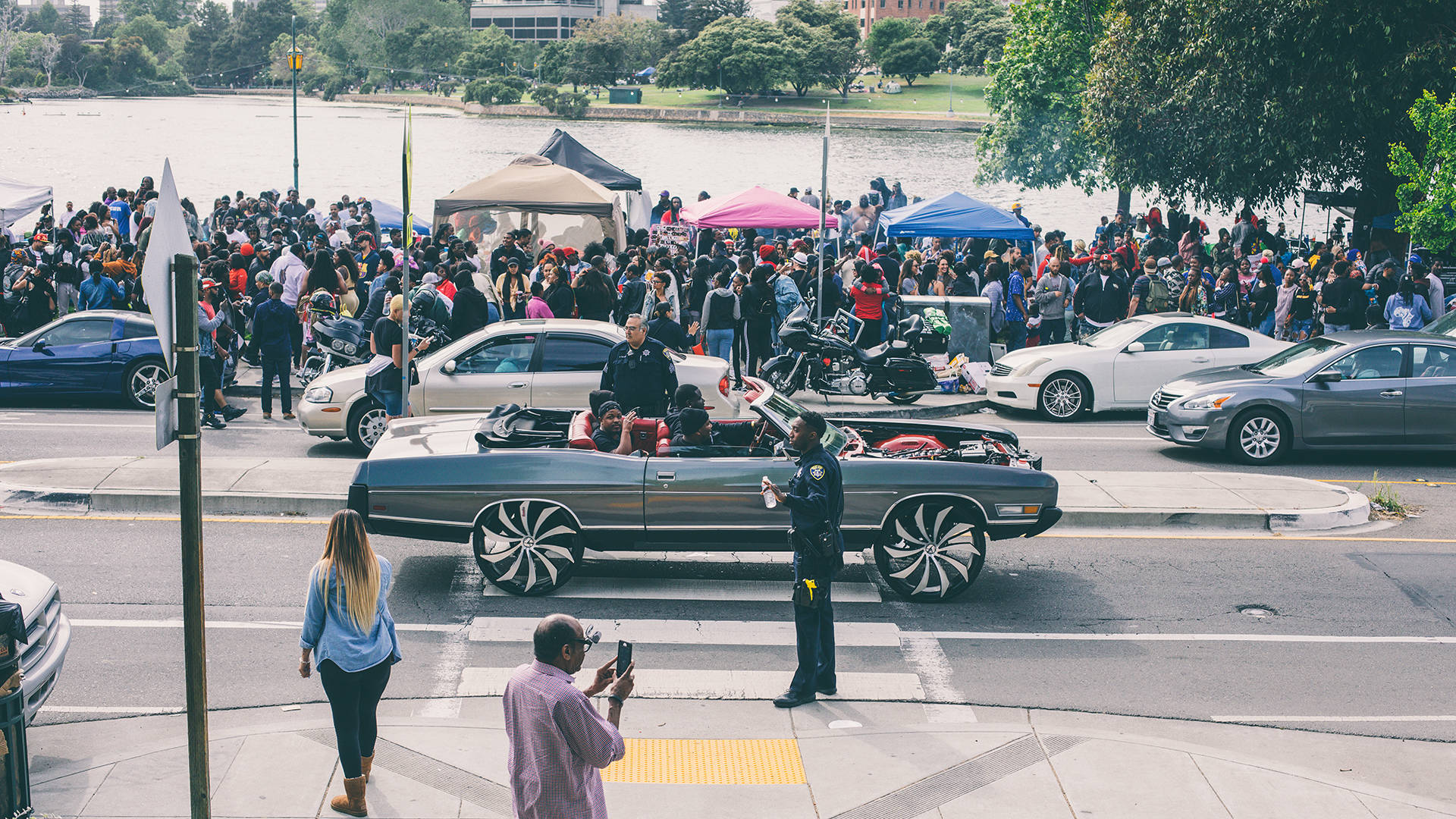 """Hundreds of black Oaklanders and their supporters came to """"BBQ'n While Black"""" at Lake Merritt on May 20 following a white woman's racially charged police complaint. Kevin Allen"""
