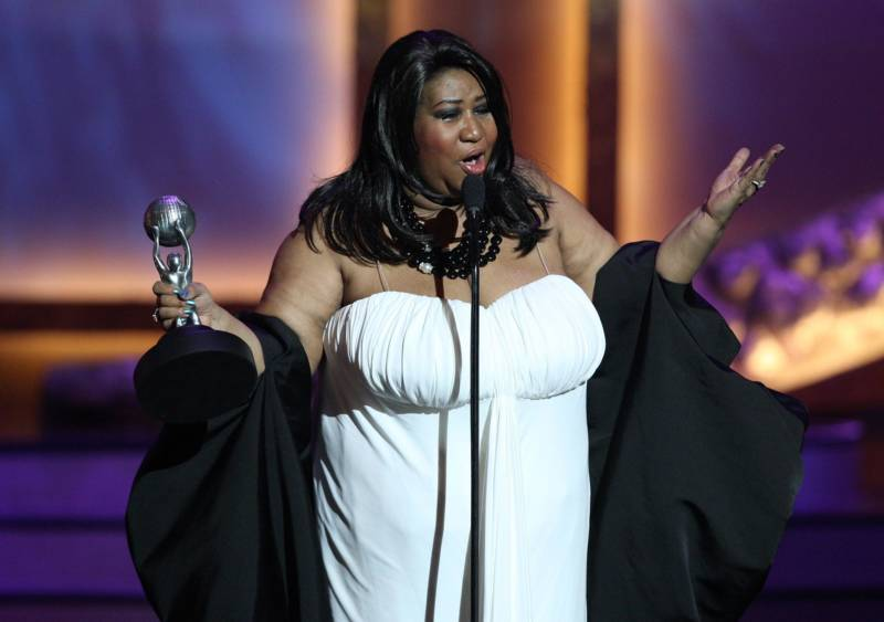 Aretha Franklin accepts the Vanguard Award onstage during the 39th NAACP Image Awards on February 14, 2008 in Los Angeles, California.