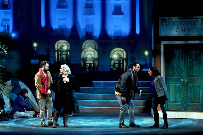 In West Bay Opera's rendition of La bohème, the action takes place outside San Francisco's City Hall, before homeless people living in tents.