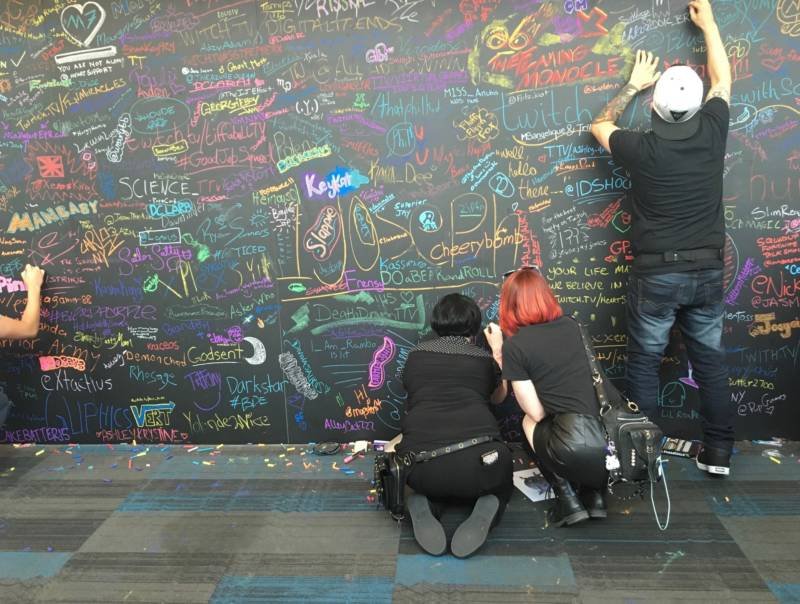 The chalk wall at TwitchCon 2018 at the San Jose Convention Center.