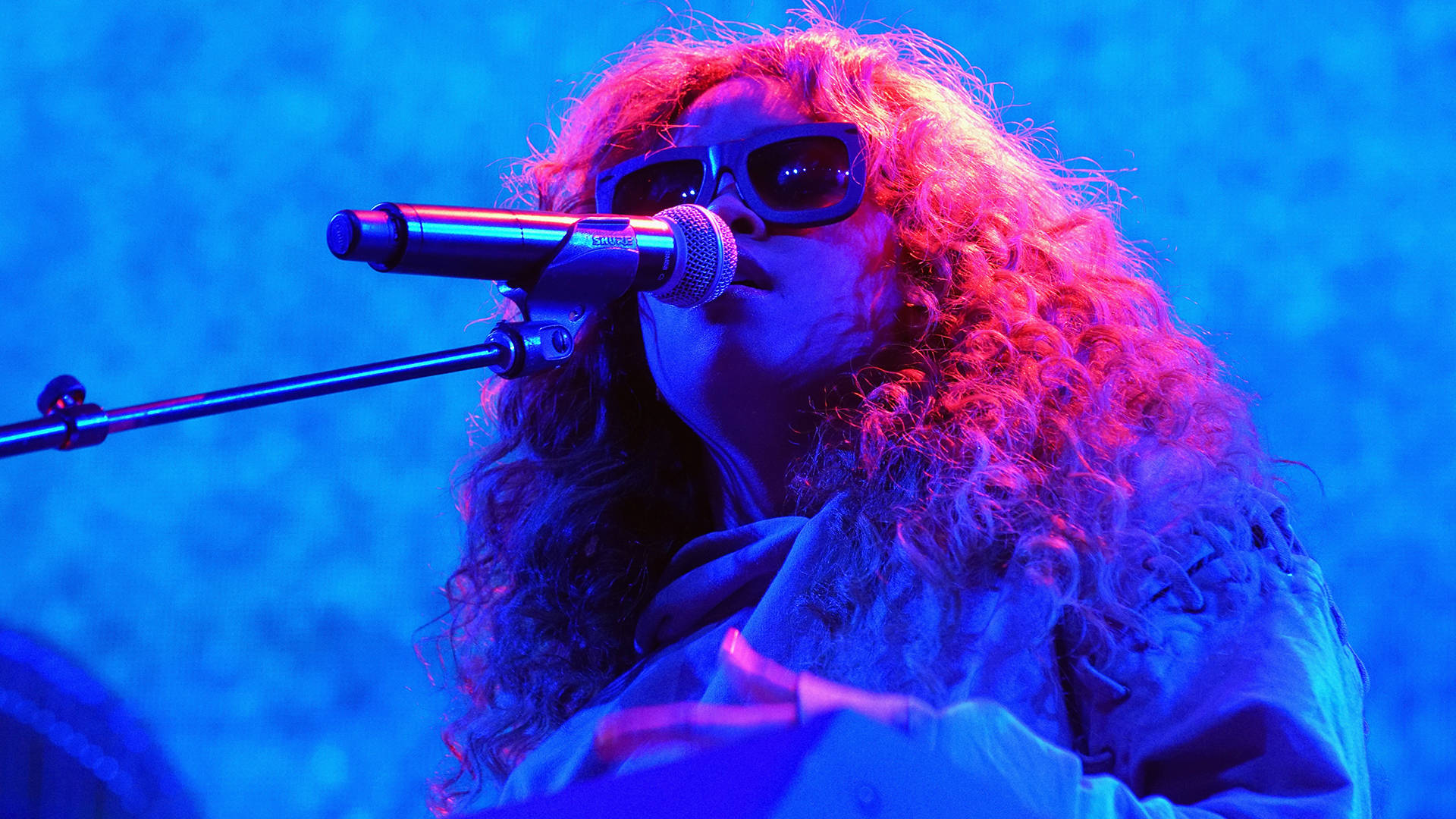 H.E.R. performs onstage at night two of the STAPLES Center Concert during the 2017 BET Experience at LA Live on June 23, 2017 in Los Angeles, California.    Bennett Raglin/Getty Images for BET