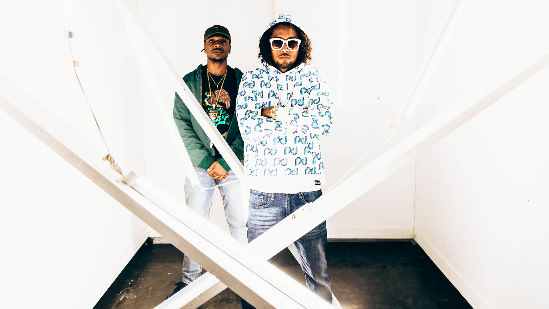 With 'Manes de Negocio,' Los Rakas position themselves as the heirs of a longstanding Black Panamanian reggaeton tradition. Ghost