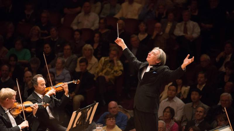 Michael Tilson Thomas conducts the San Francisco Symphony,