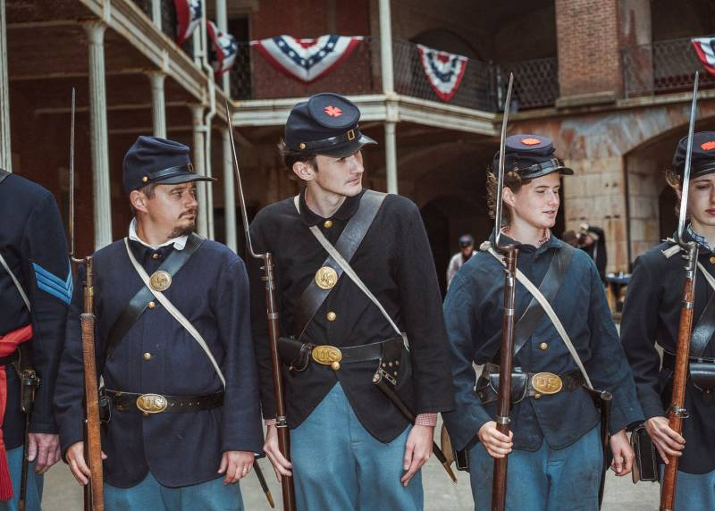 Union Soldiers, ready for war.