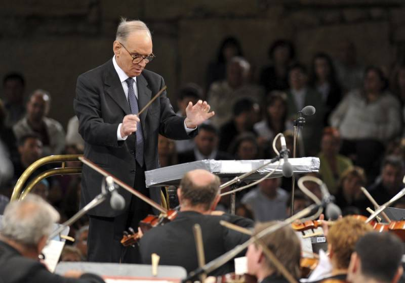 Ennio Morricone conducts with the Budapest Symphonic Orchestra - Gyor in 2009.