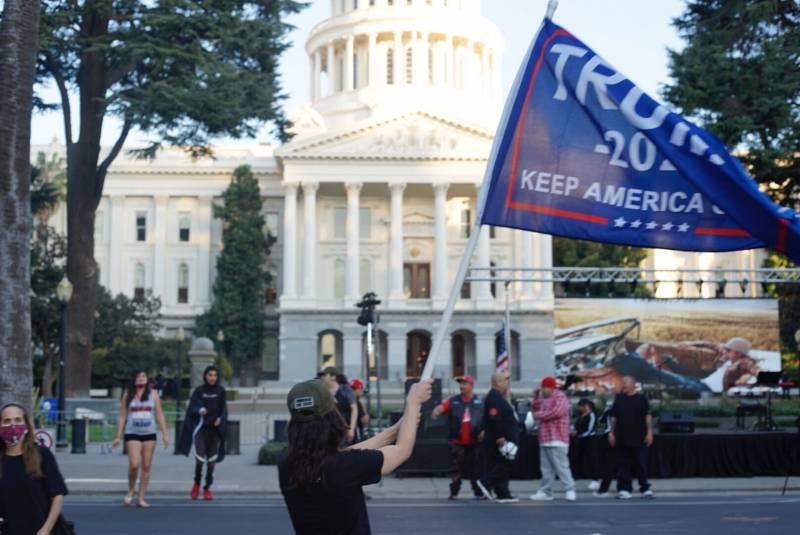 Pro-Trump supporters started congregating at the Capitol building as the day went on.
