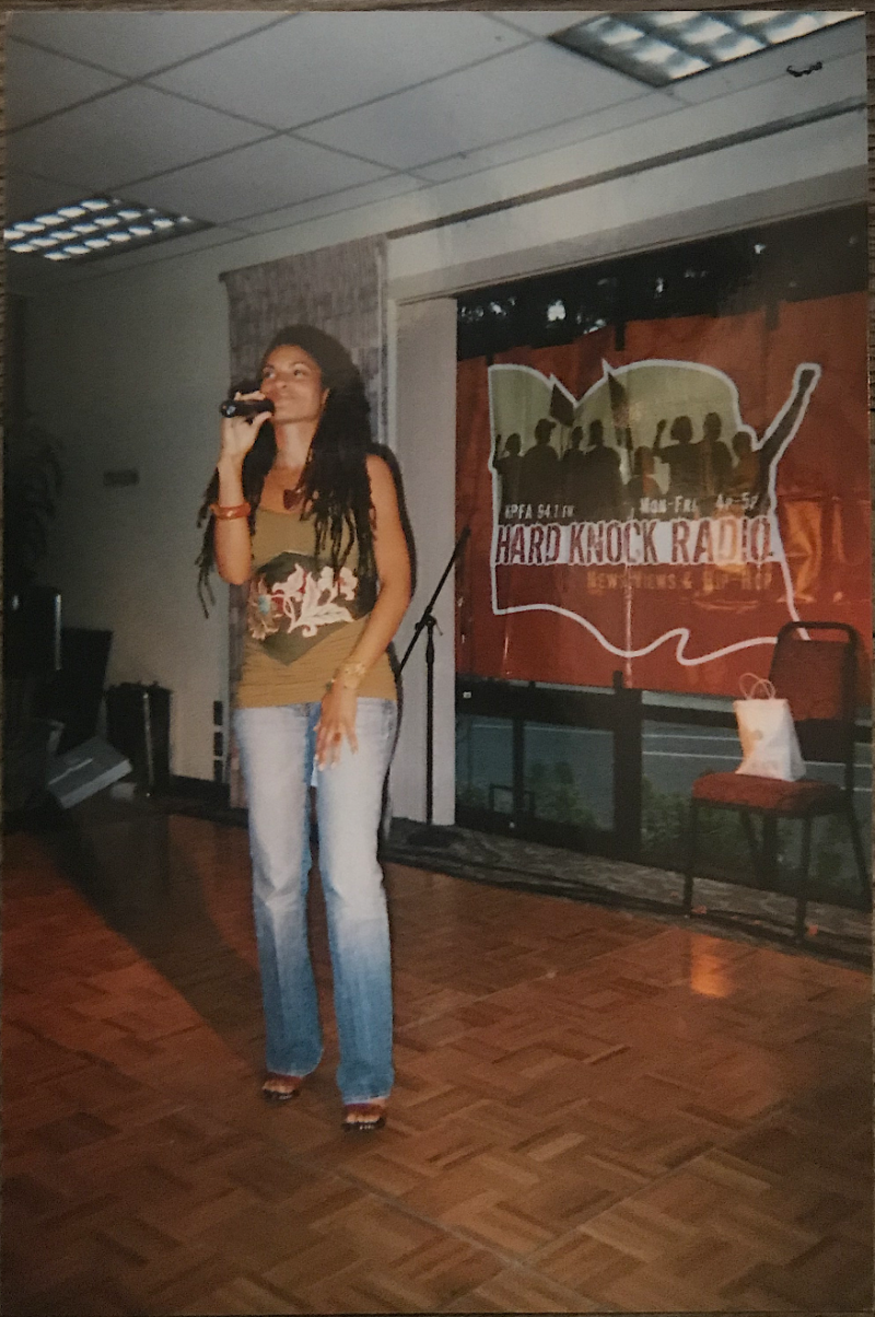 Goapele singing at an event at SF State in 2005.