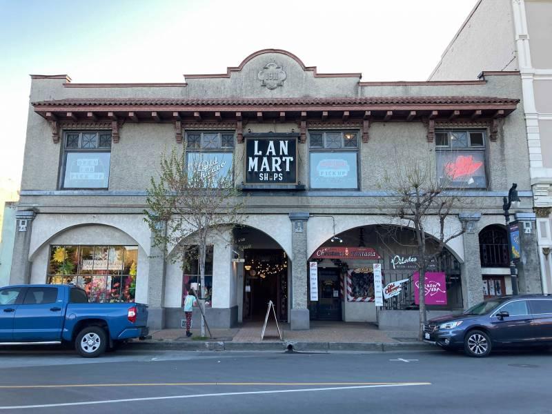 The Lan Mart Building, 2021.