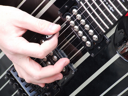 Music for the Masses: Apps and Sites for Learning to Play Tunes