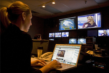 Six Ways to Use Social Media Tools in Journalism Classes