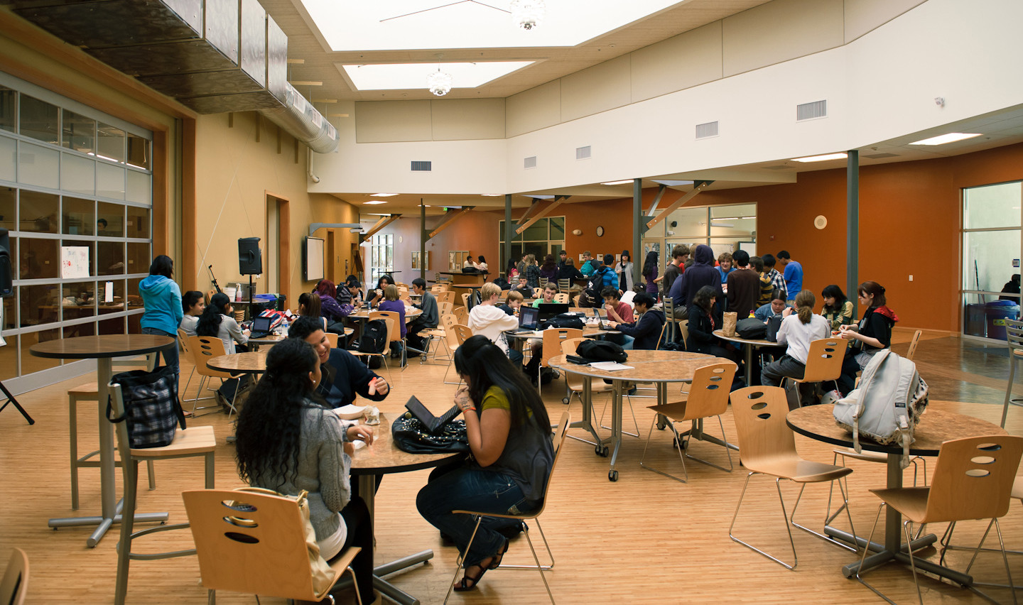 Classroom Design With Technology In Mind ~ For back to school reimagine classroom design mindshift