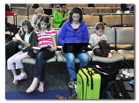 For Holiday Travel, Apps to Keep Kids Busy
