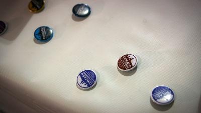 Sample badges.