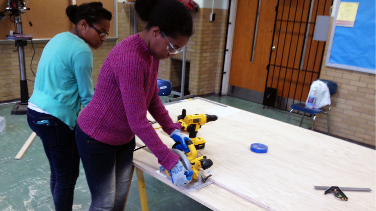 SLA Beeber students working on projects in the makerspace.