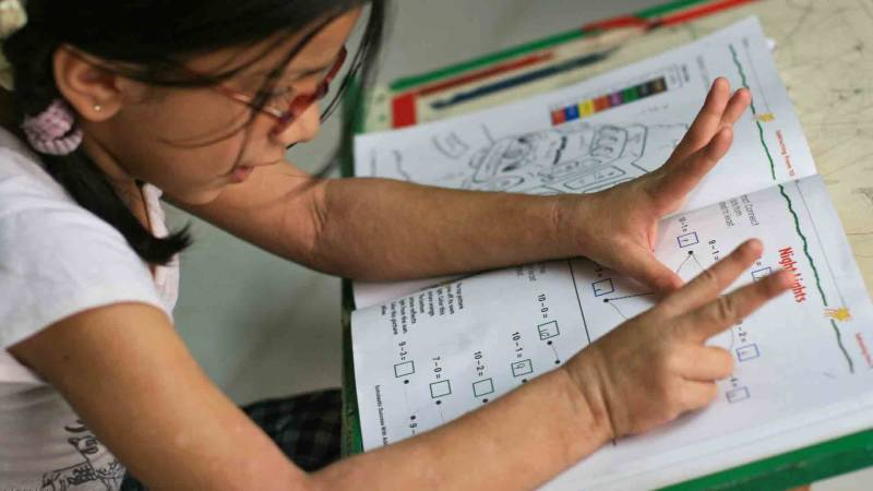 Why Kids Should Keep Using Their Fingers to do Math