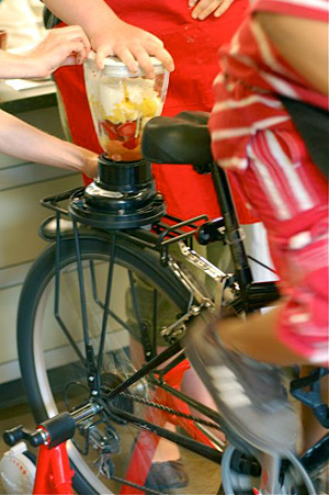 Juice Peddler smoothie bike