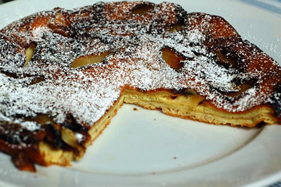 pfannkuchen - german pancake with apples