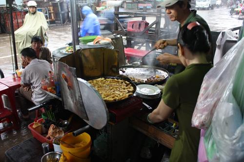 vietnam saigon Cha Gue, Nen Nha Dat