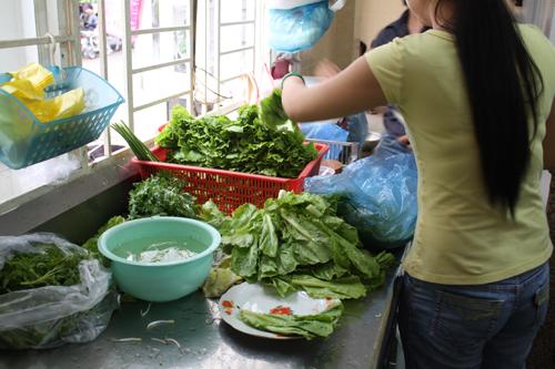 vietnam saigon herbs