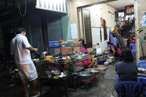 vietnam saigon snails