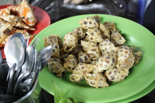 vietnam saigon Wok-fried Snails, Oc Huong Pho Mai