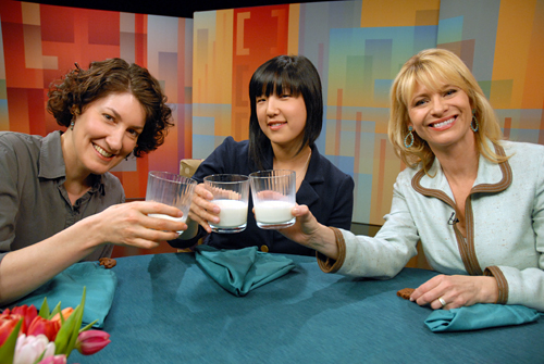 Stephanie Rosenbaum, Jeannie Choe, Leslie Sbrocco on set of Food and Wine This Week