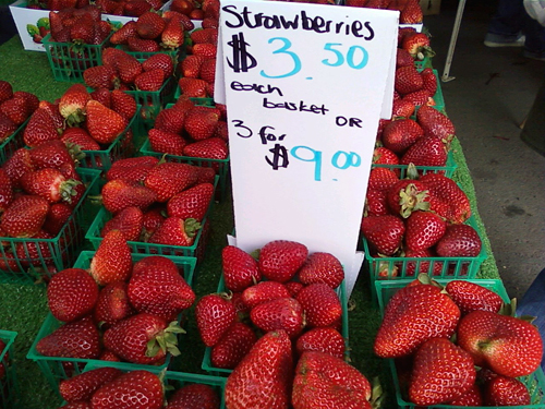 strawberries - photo by Stephane von Stephane