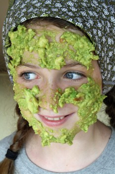 how to make a guacamole face mask