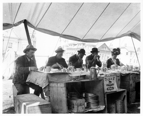 Refugee Camp Restaurant, 1906. Photo credit: San Francisco History Center, San Francisco Public Library