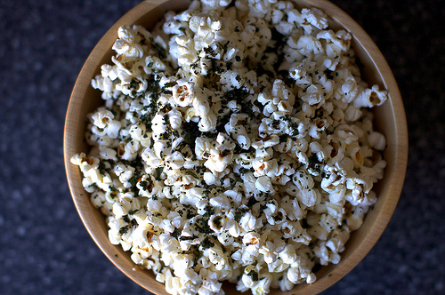 Kale-Sprinkled Popcorn