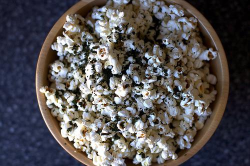 Kale-Sprinkled Popcorn