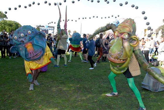 Friendly dancing Monsters invaded TIMF