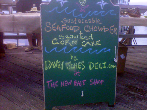 Davey Jones Deli sign