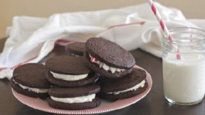 Holiday Cookie Recipe: Peppermint Sandwich Cookies
