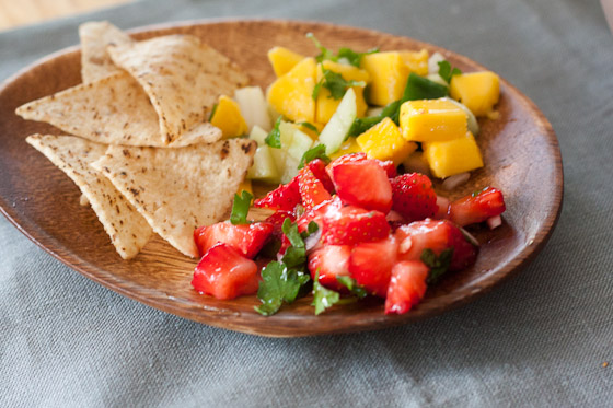Spring Entertaining Made Easy: Two Simple Fruit Salsa Recipes