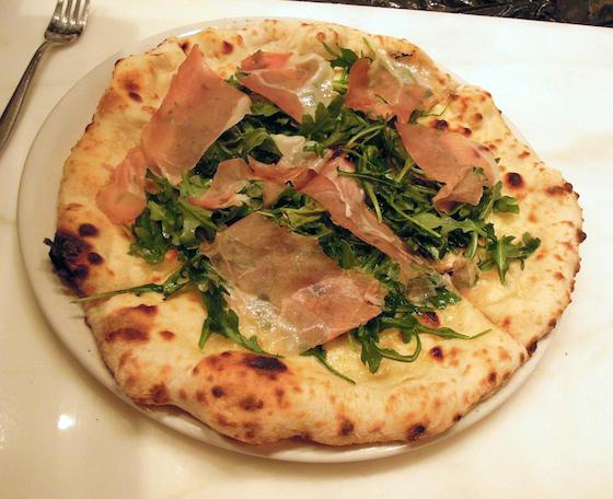 mozzeria prosciutto with wild arugula pizza