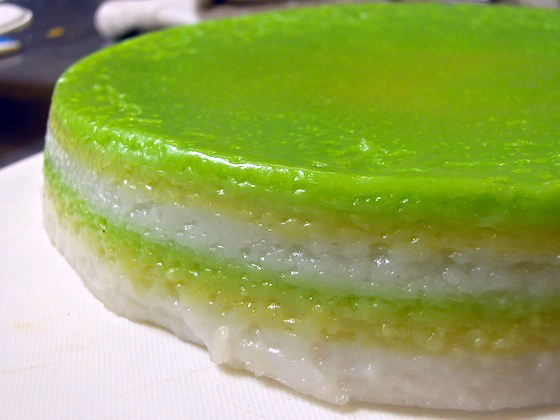 pandan layered rice cake