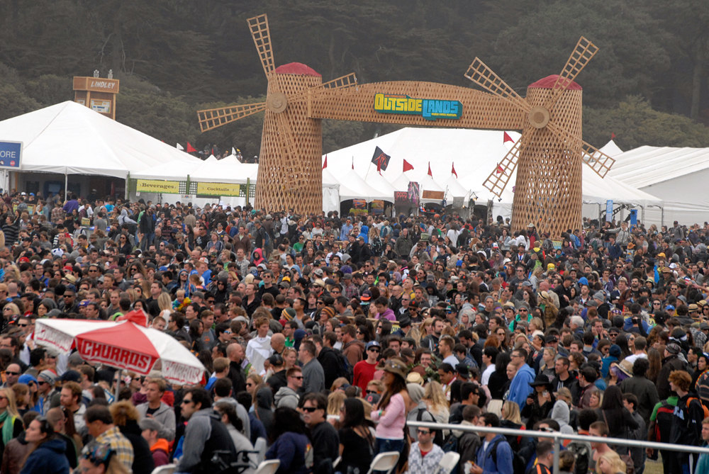 Audience at Lands End stage at Outside Lands. Photo: Wendy Goodfriend