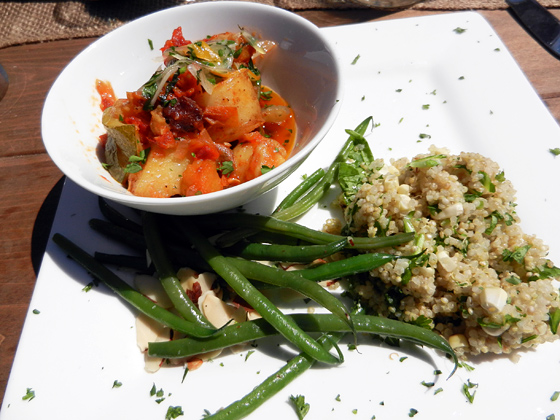 Moroccan tagine with green beans and quinoa