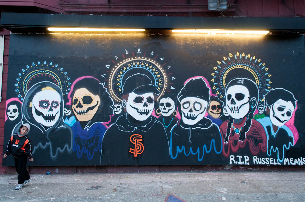 Photos of san francisco 39 s day of the dead procession and for Dia de los muertos mural