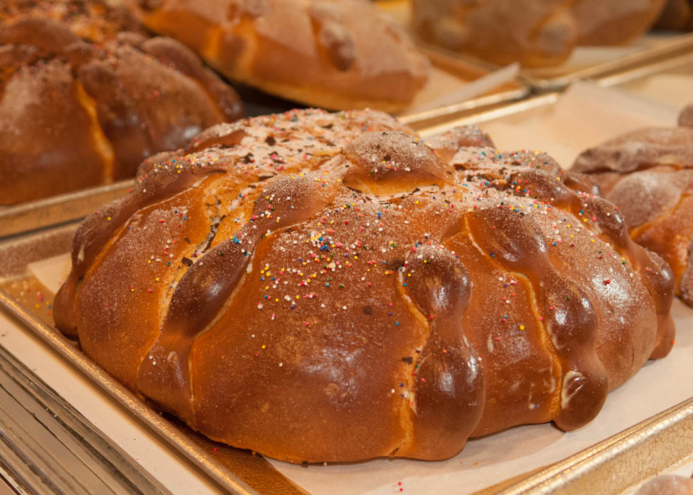 Pan de Muerto in Mission cafe. Photo: Naomi Fiss