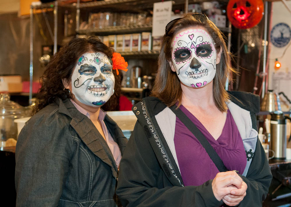 Faces of  Dia de los Muertos in SF Mission. Photo: Naomi Fiss