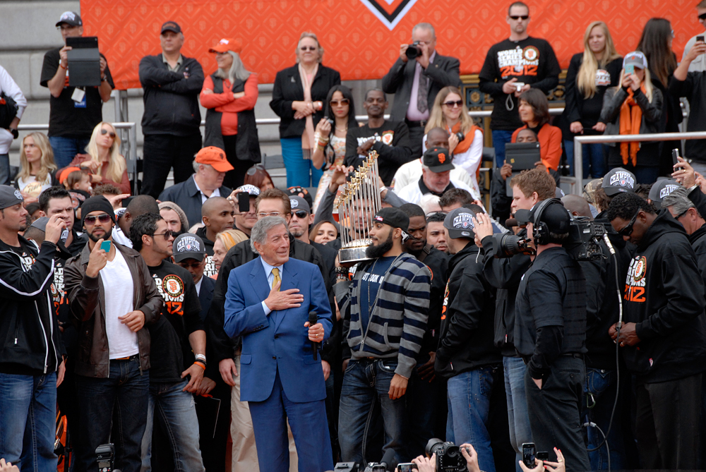 Tony Bennett sang I Left My Heart in San Francisco, Sergio Romo holds trophy. Photo: Wendy Goodfriend