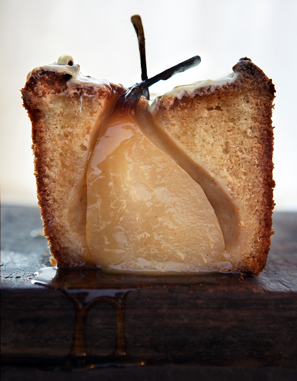 Cardamom Cake with Whole Pears & White Chocolate. Photo: Oof Verschuren