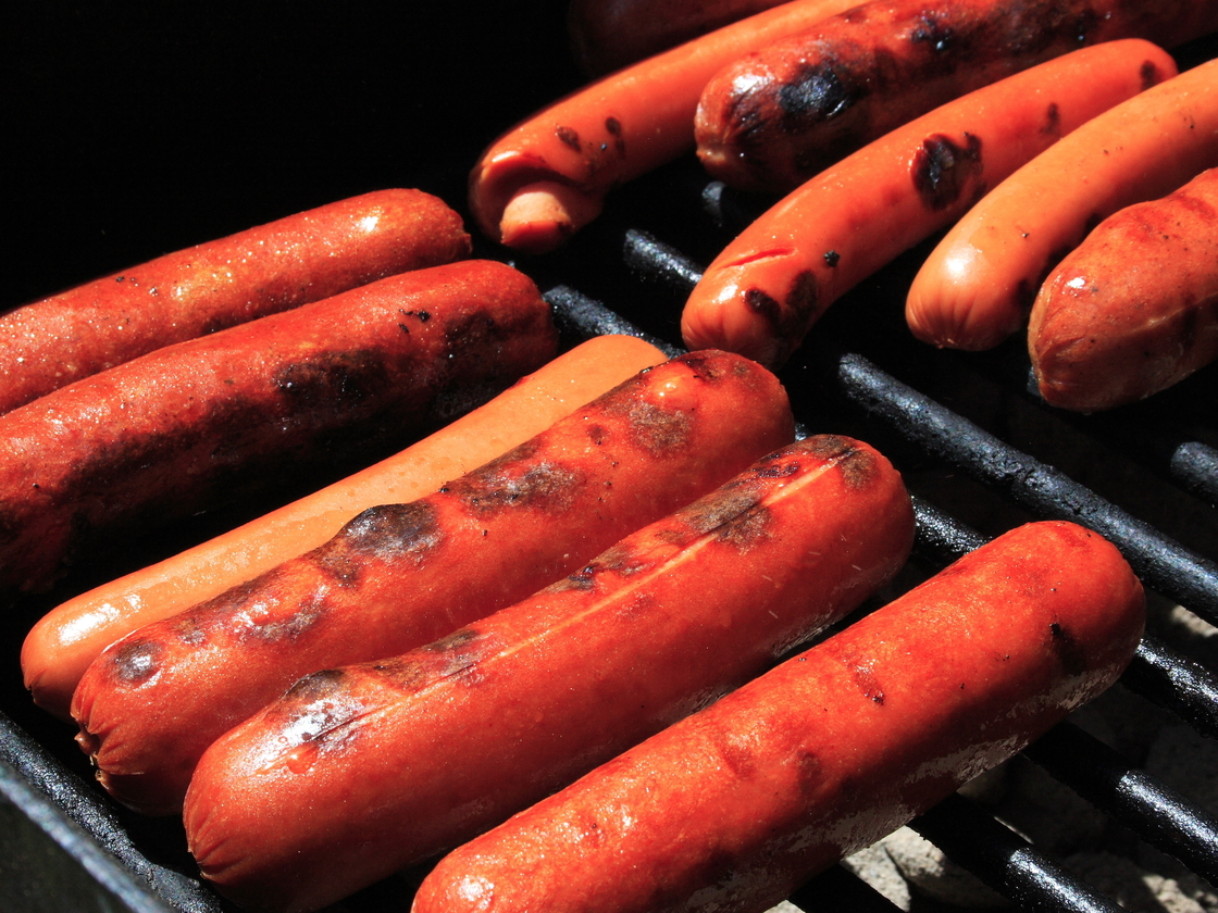 Hot Dogs, Bacon And Red Meat Tied To Increased Diabetes Risk