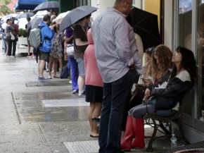 Hopeful customers line up outside New York's Dominique Ansel Bakery to purchase cronuts. Photo: Richard Drew/AP