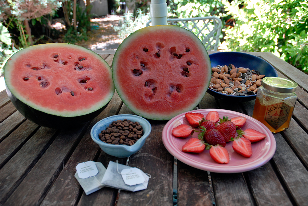 Foods and beverages that nourish the skin. Photo: Wendy Goodfriend