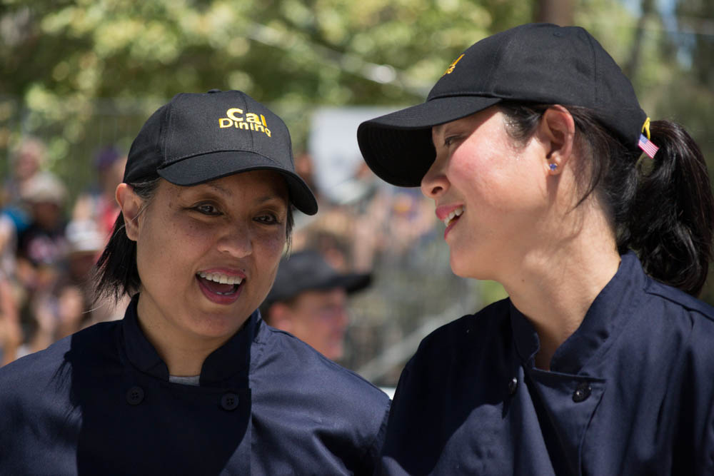 Chefs Mary Ferrer and Ida Shen from the University of California, Berkeley participate in the Garlic Bowl cook-off at the Gilroy Garlic Festival. Photo: Sara Bloomberg